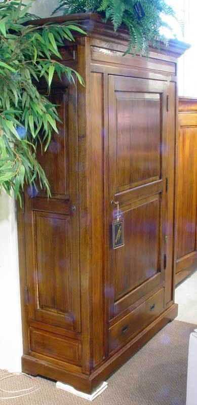 Welsh oak pantry cupboard cabinet solid wood ebay for Timber pantry cupboard