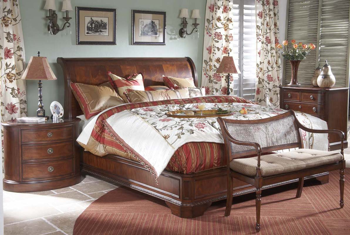 4 piece heritage mahogany traditional king size sleigh bed