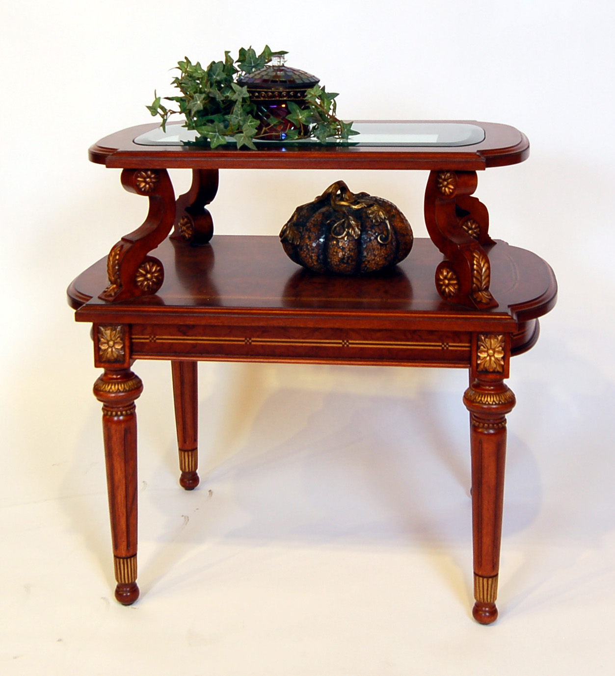 Ornate Corner Accent Table Ebay Picture To Pin On