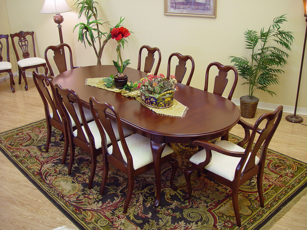 9 piece classic queen anne mahogany dining table and chair for Breakfast table set