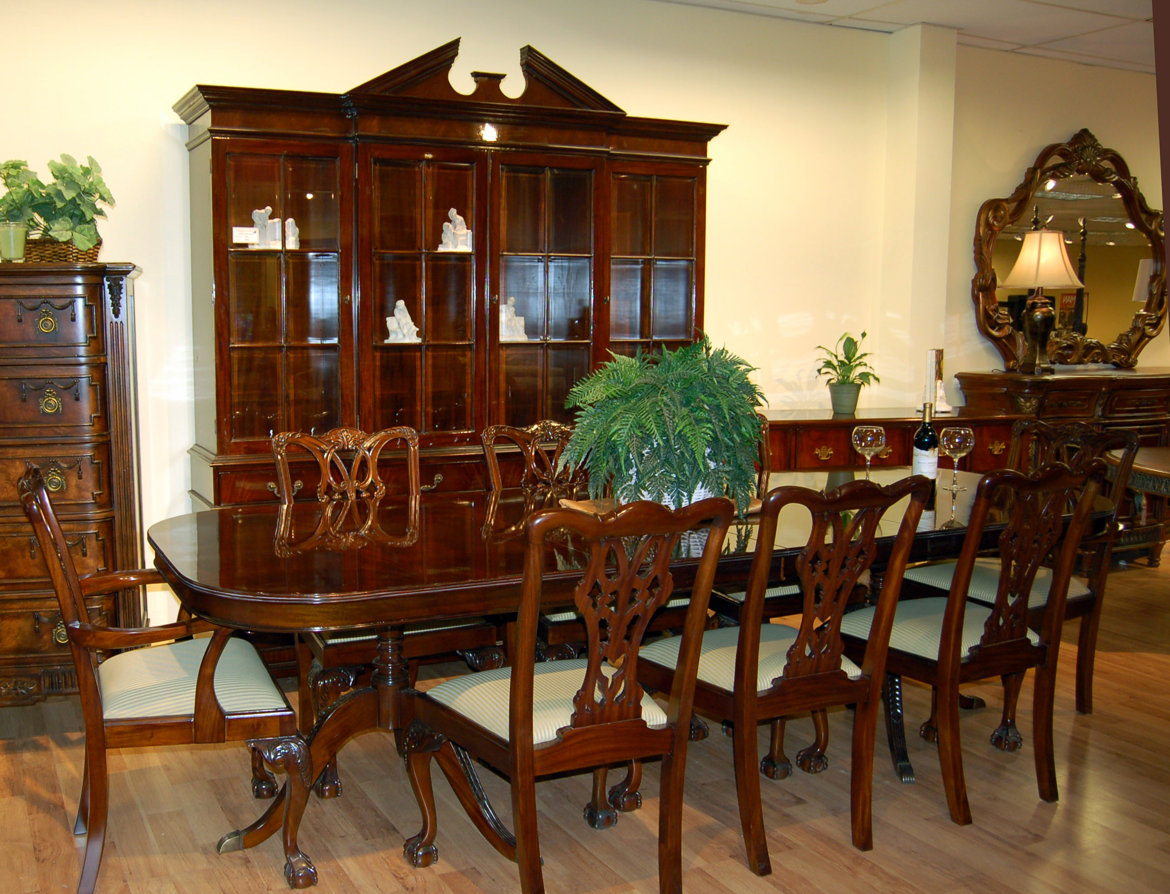 piece mahogany dining room set this gorgeous mahogany set is in