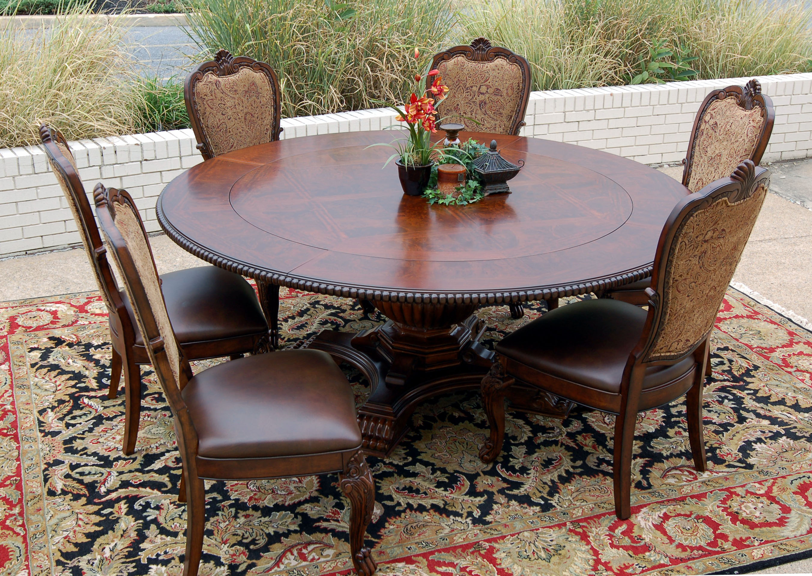 round 9 piece old world dining table chair set cherry mahogany ebay. Black Bedroom Furniture Sets. Home Design Ideas